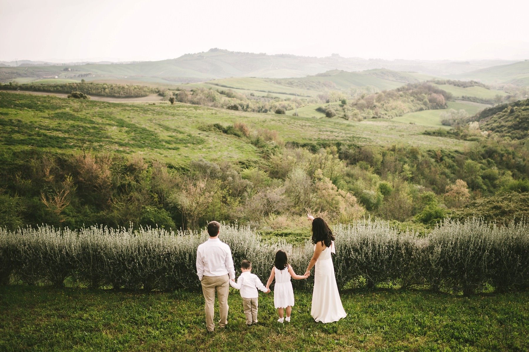 Lovely and unforgettable frame with a family surrounded by all the beauty of Tuscany countryside. Enjoy a lovely fun experience and build your memories will last forever