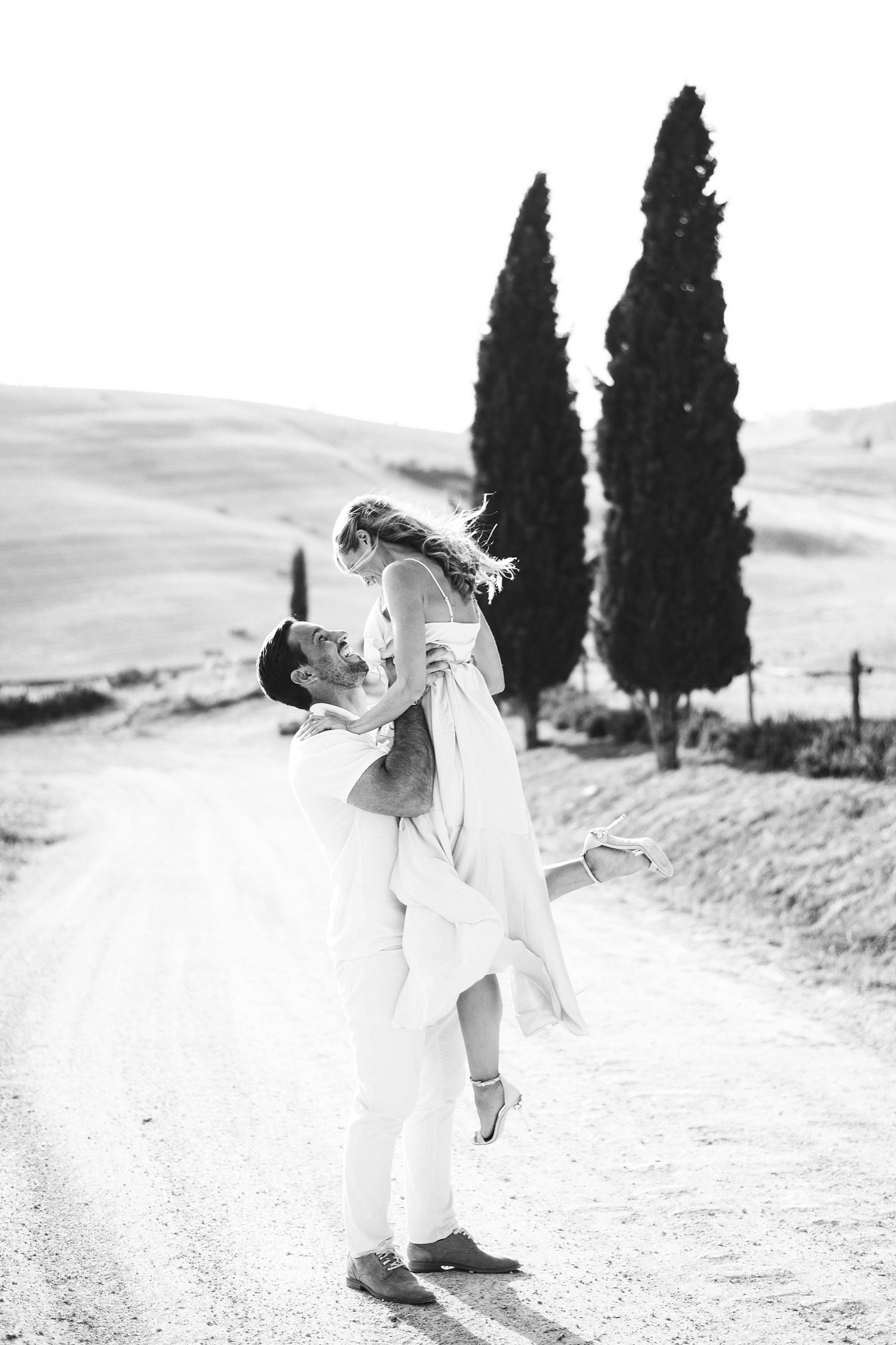 Dreamy Italy elopement with vows renewal in Val d'Orcia