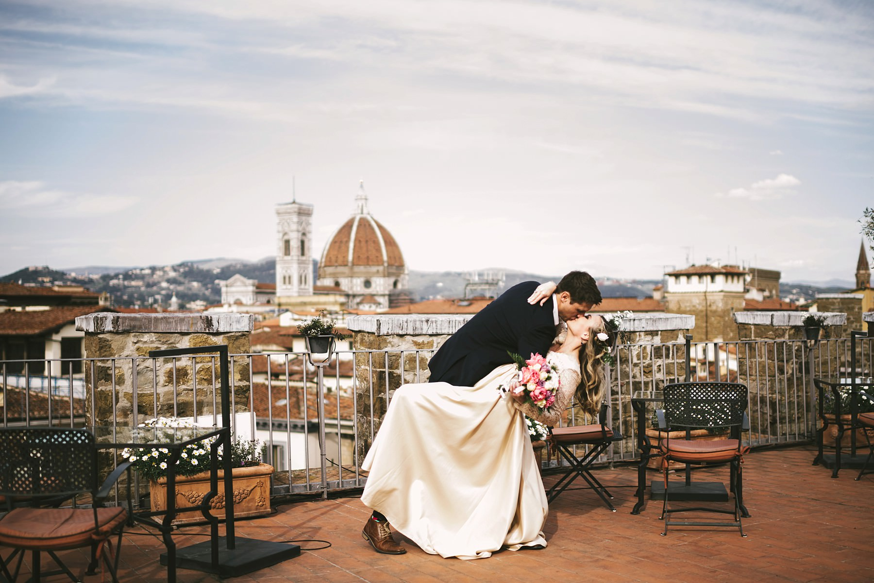 Florence couple portrait photo shoot with vows renewal ceremony event at Antica Torre Tornabuoni top terrace