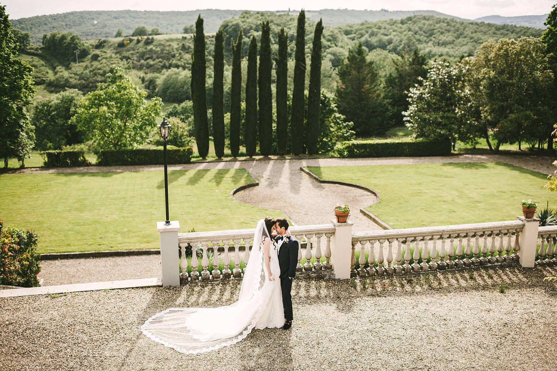 La Dolce Vita Style destination wedding in Tuscany at the charming historic estate of Villa La Selva Wine Resort