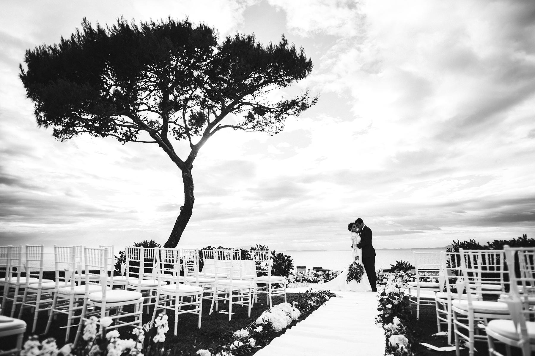 Engagement in Capri and wedding in Sorrento a whish come true. Bride and groom wedding portrait in Sorrento at amazing terrace of Villa Angelina