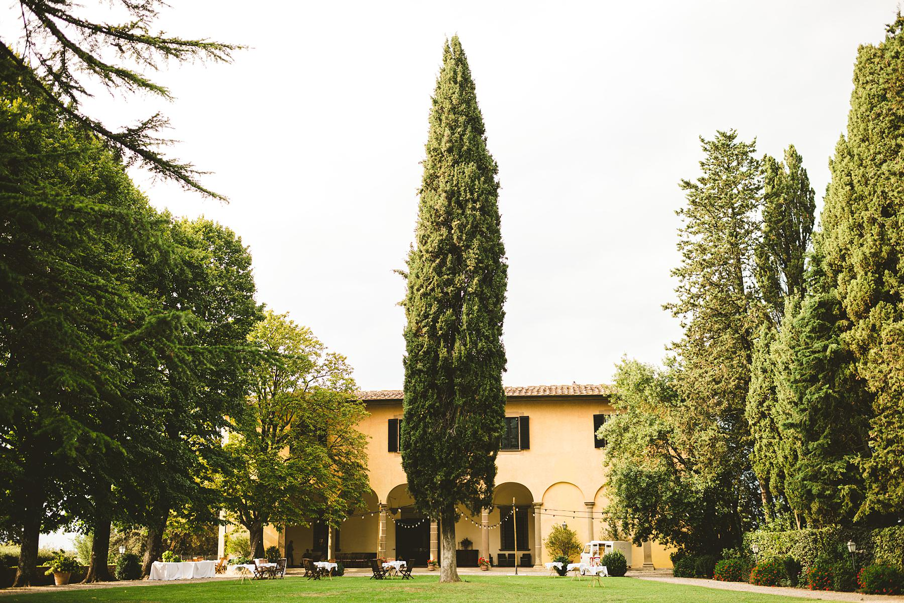 Villa Il Poggiale is a historical residence that first saw the light in the Renaissance. Embraced by the unique and unforgettable scenery of Chianti, when youÕre there you will feel like youÕre part of a fairytale