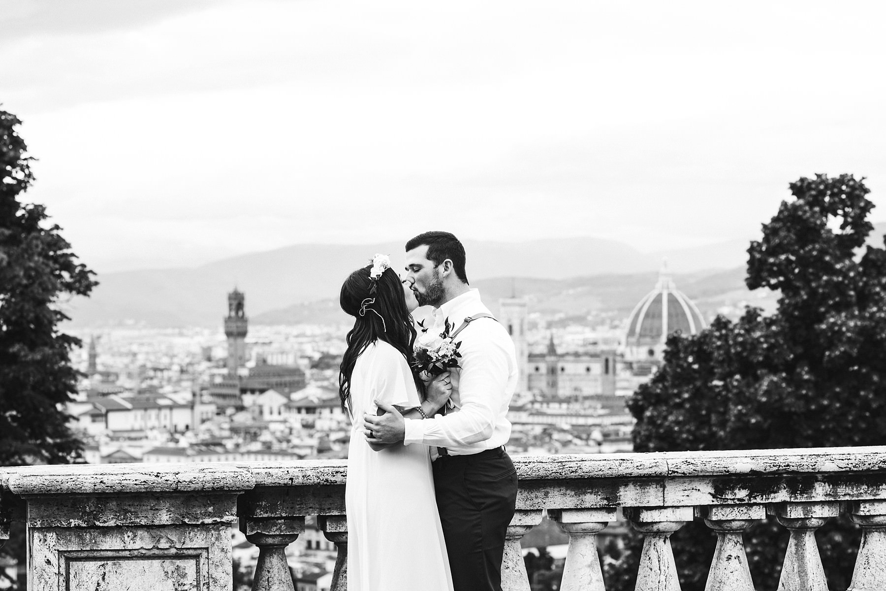 Sweet elopement in Italy to intimately seal your love