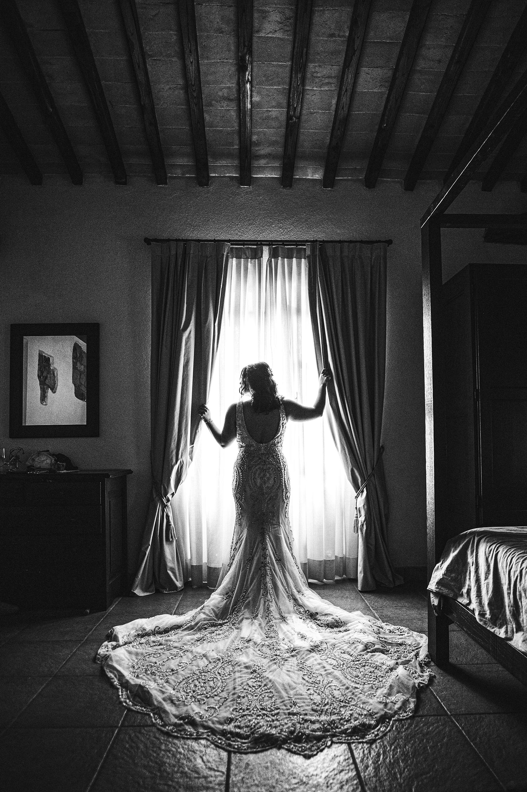 Blissful and intimate destination wedding at Villa Le Bolli, Tuscany. Beautiful bride wedding portrait. Intimate destination wedding near Radicondoli
