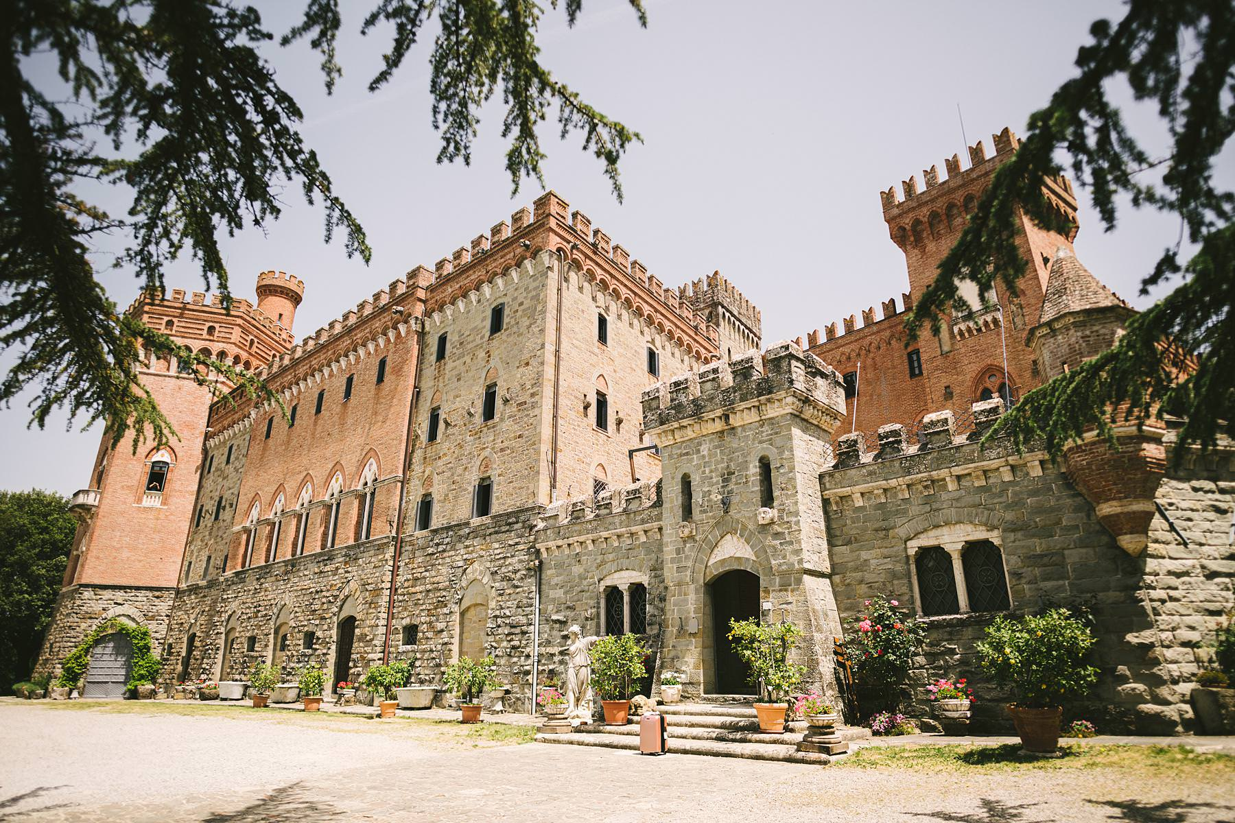 Valenzano Castle near Arezzo is a perfect destination for an elegant wedding in Tuscany