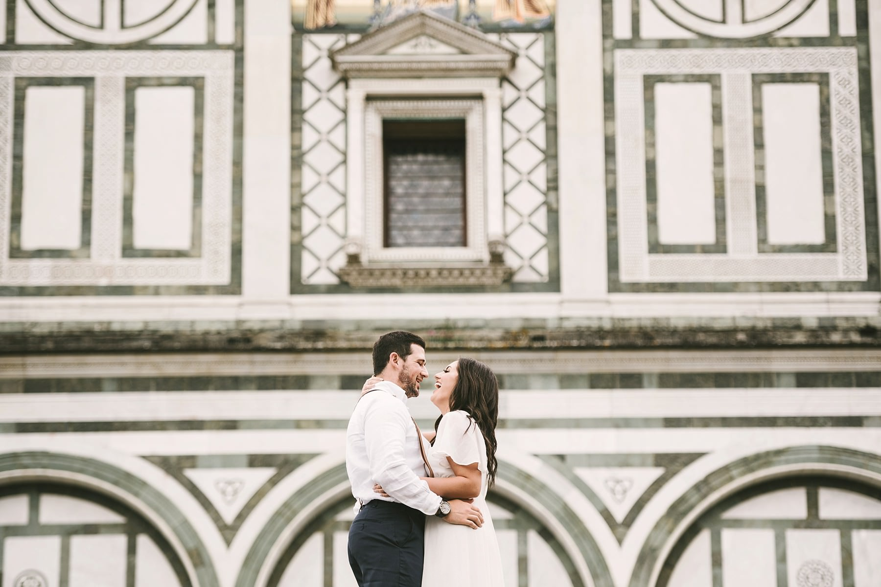 Elegant and romantic couple portrait photo shoot all around Florence the cradle of Renaissance