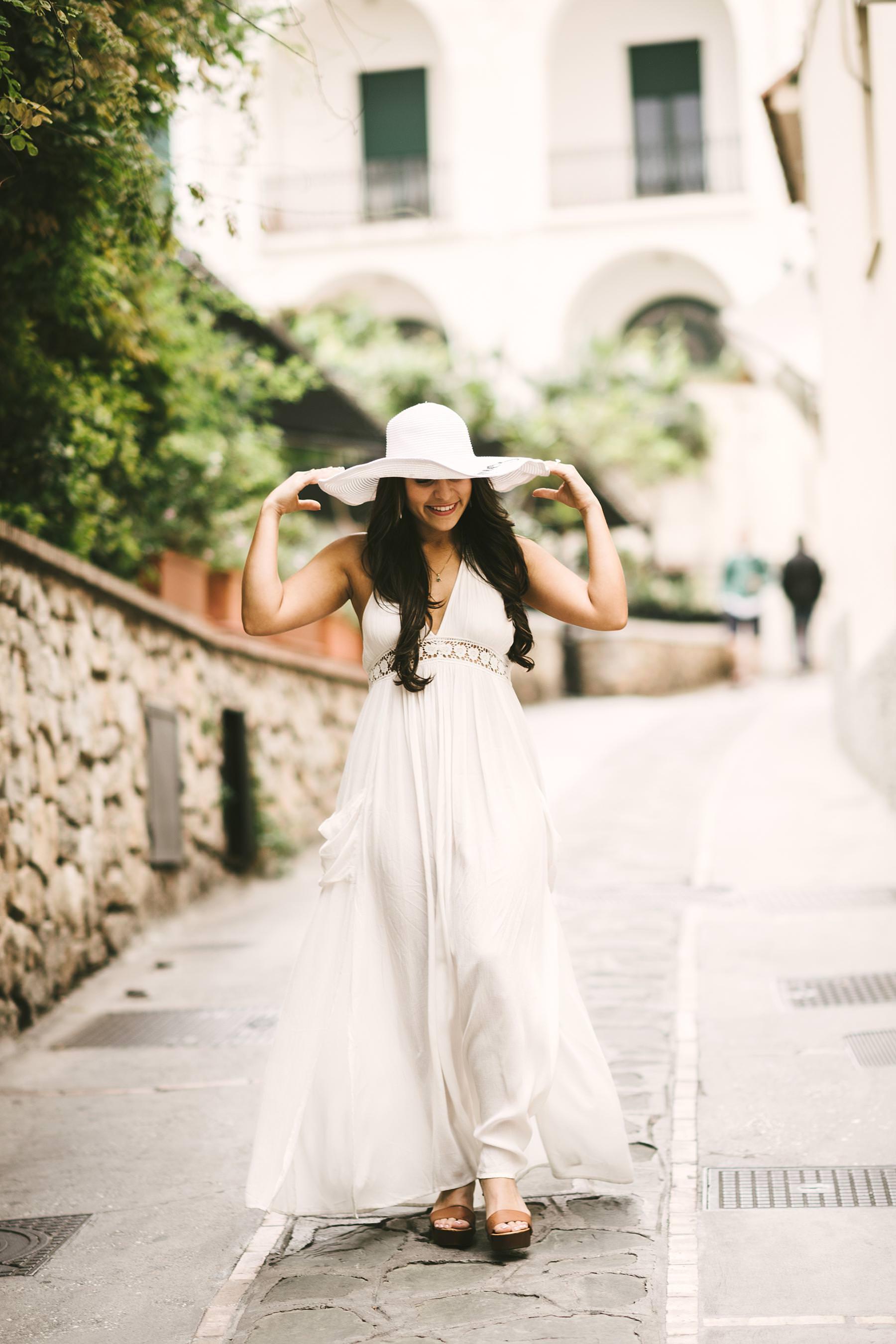 Exciting and elegant couple portrait photo shoot in Capri island