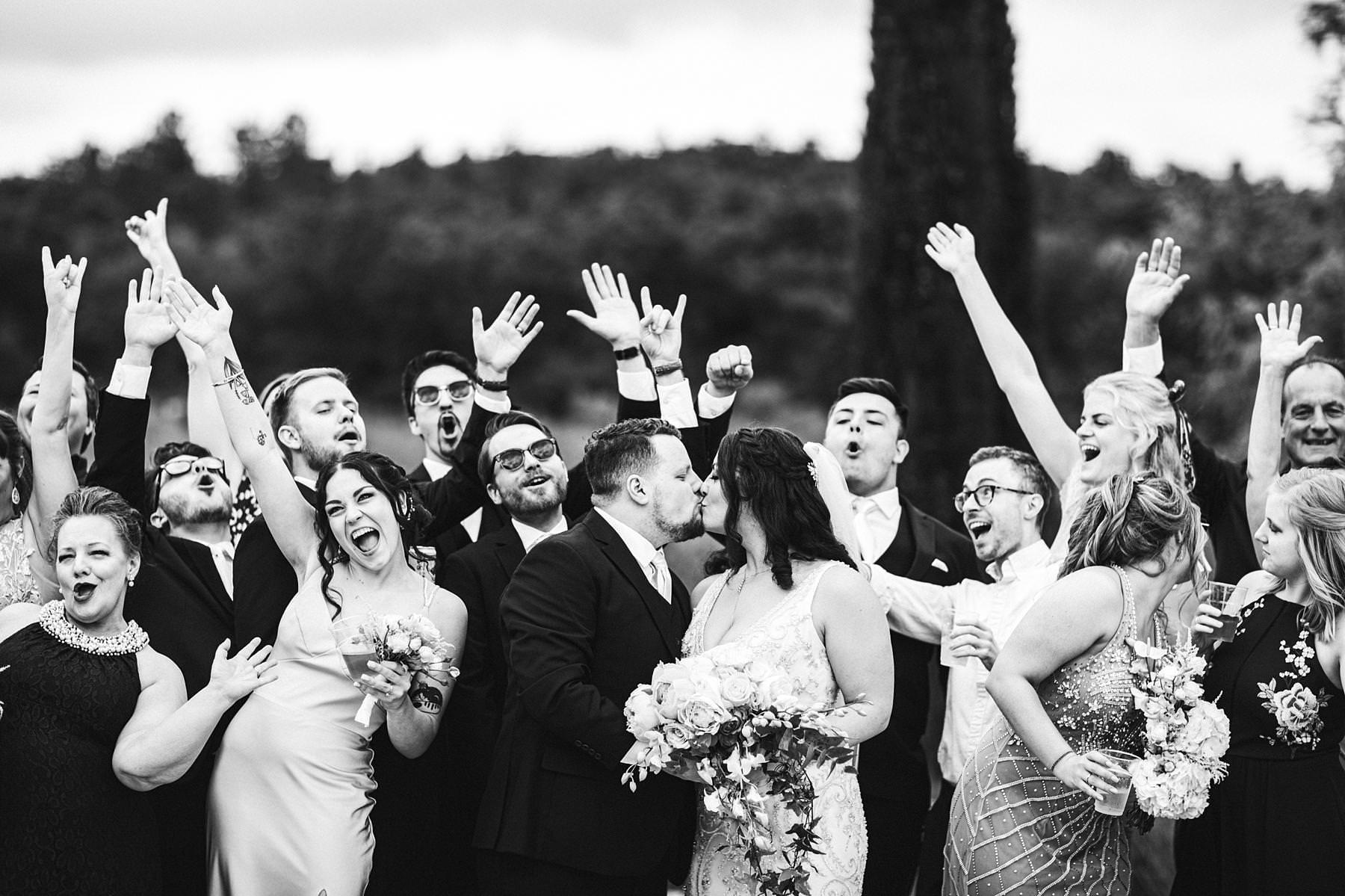 Great wedding group shoot at Villa Le Bolli in Tuscany countryside near Radicondoli