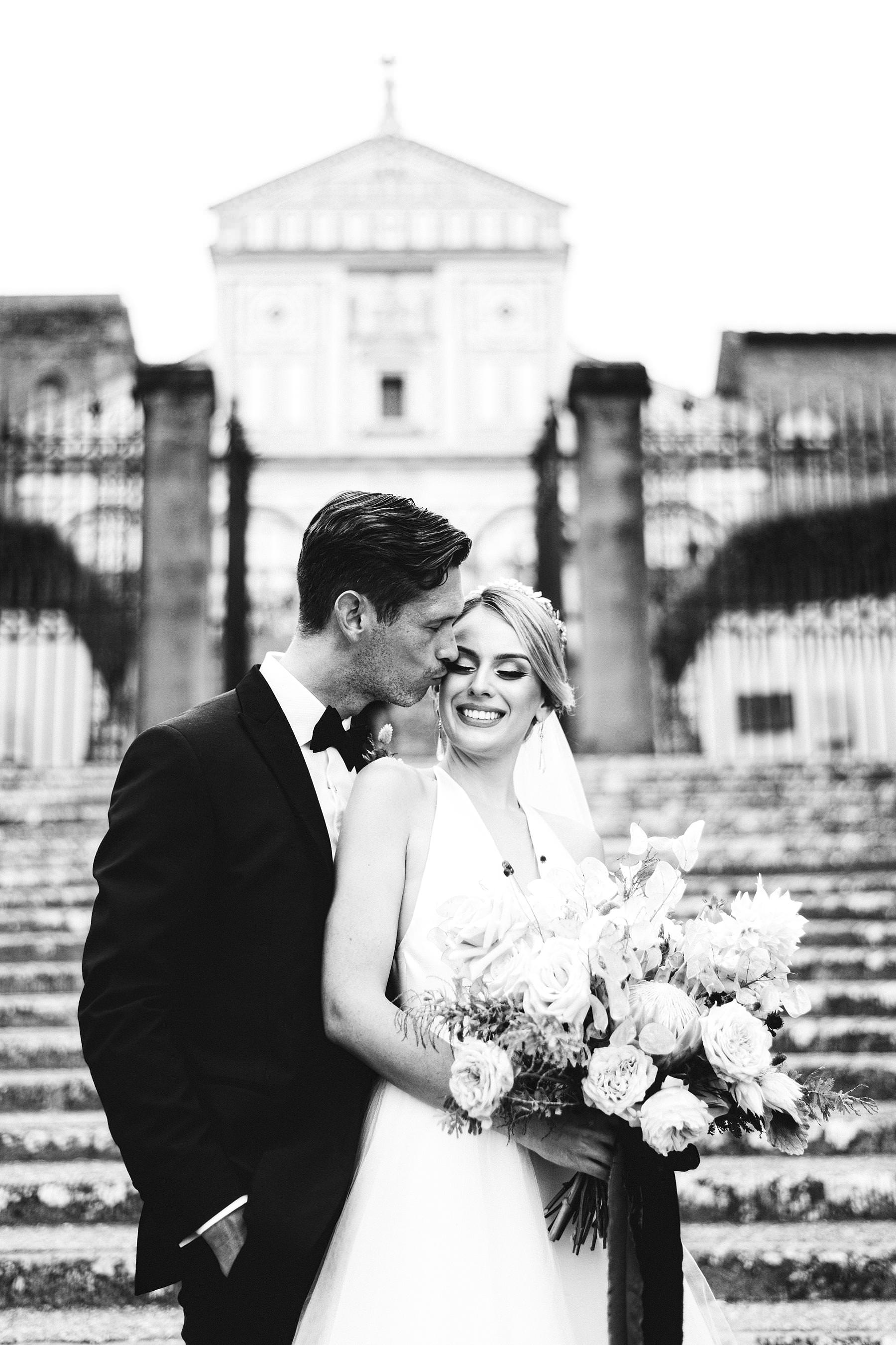 Christina and Cheyne got married at Villa La Vedetta, an incredible venue where to hold a stunning luxury wedding in Florence