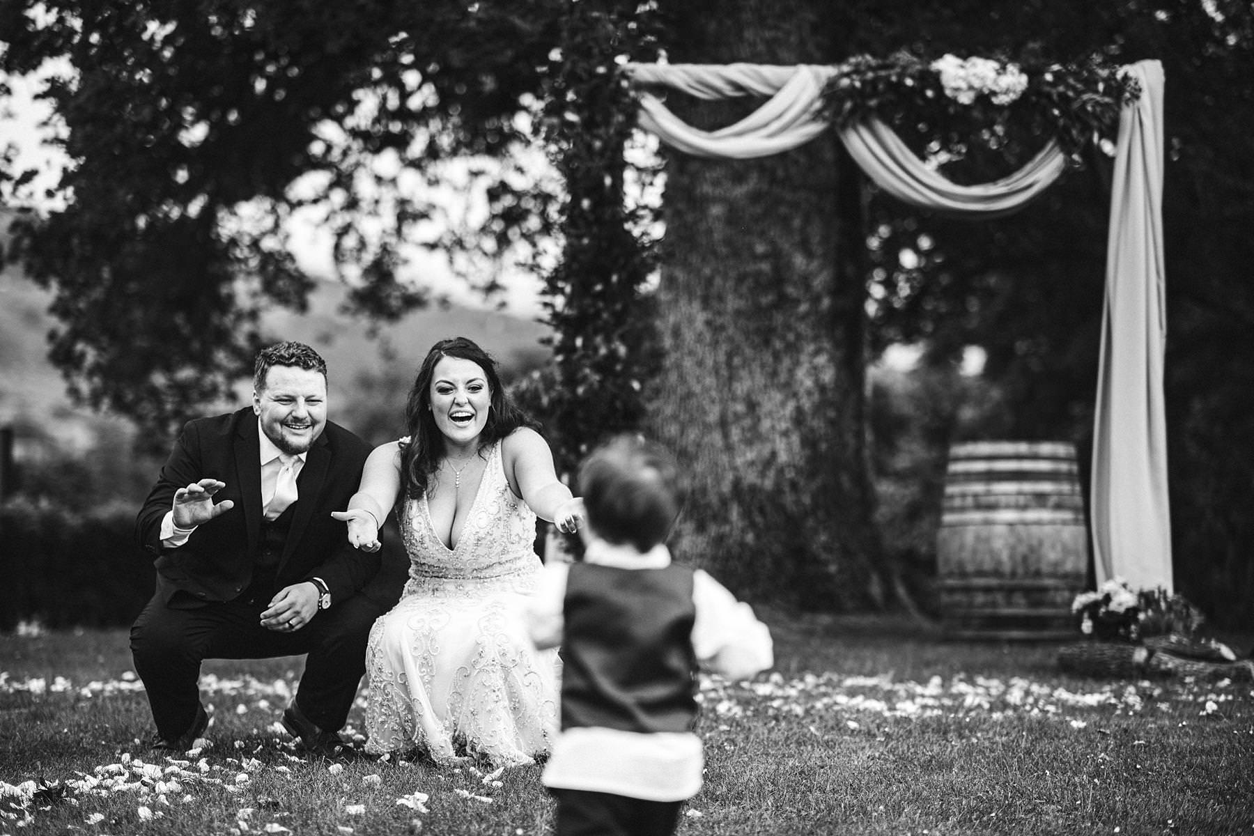 Lovely candid family shoot during destination wedding in Tuscany countryside Villa Le Bolli near Radicondoli medieval town
