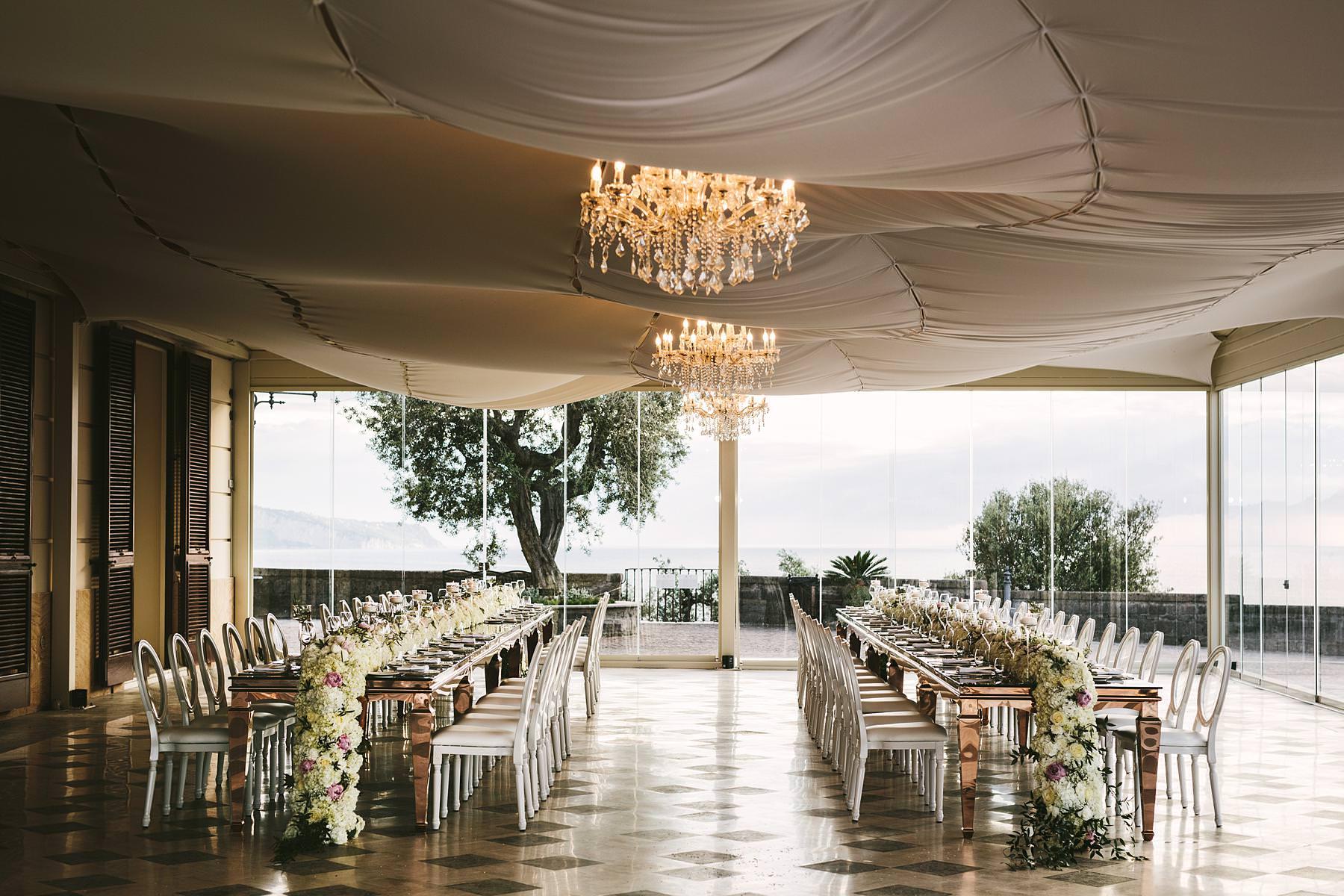 Very elegant and beautiful destination wedding dinner decor in Villa Angelina, Sorrento