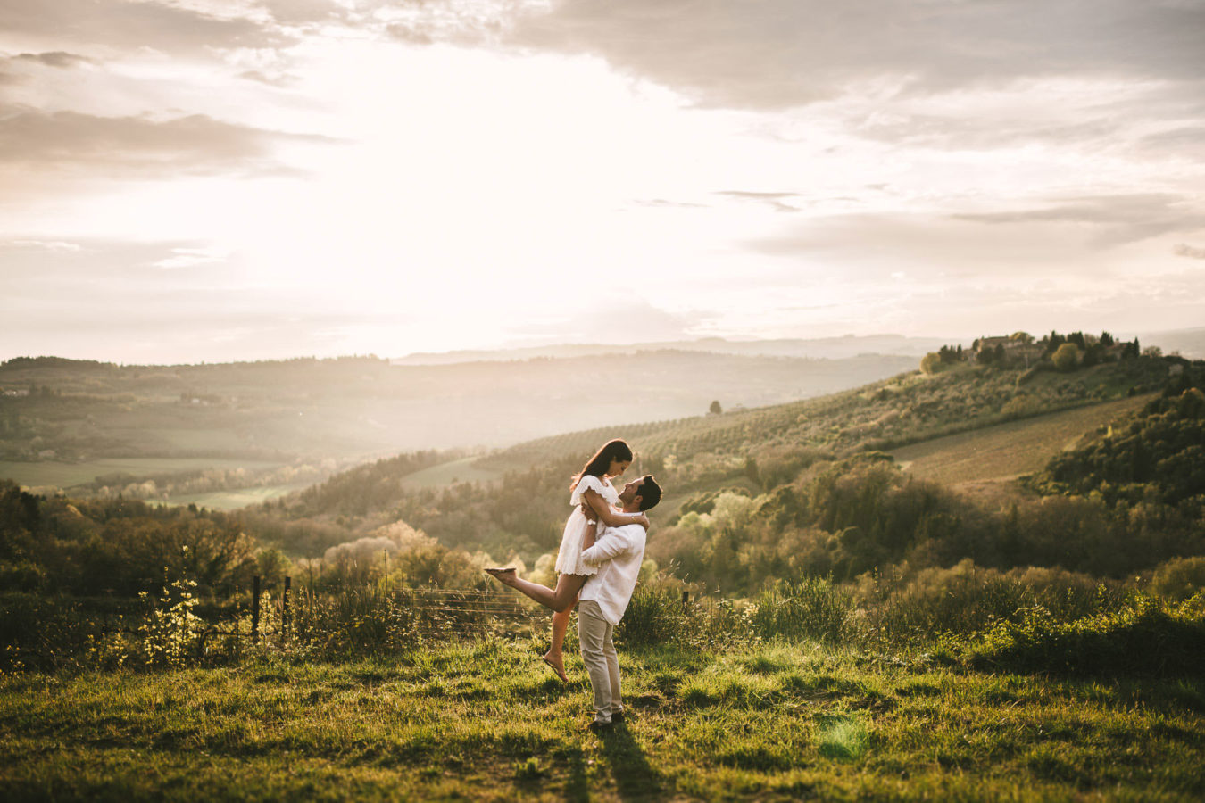 Incredible and breathtaking engagement photo session surrounded by the beauty of Tuscany countryside. Give yourself enchanting memory to cherish forever, your love deserves to be celebrated