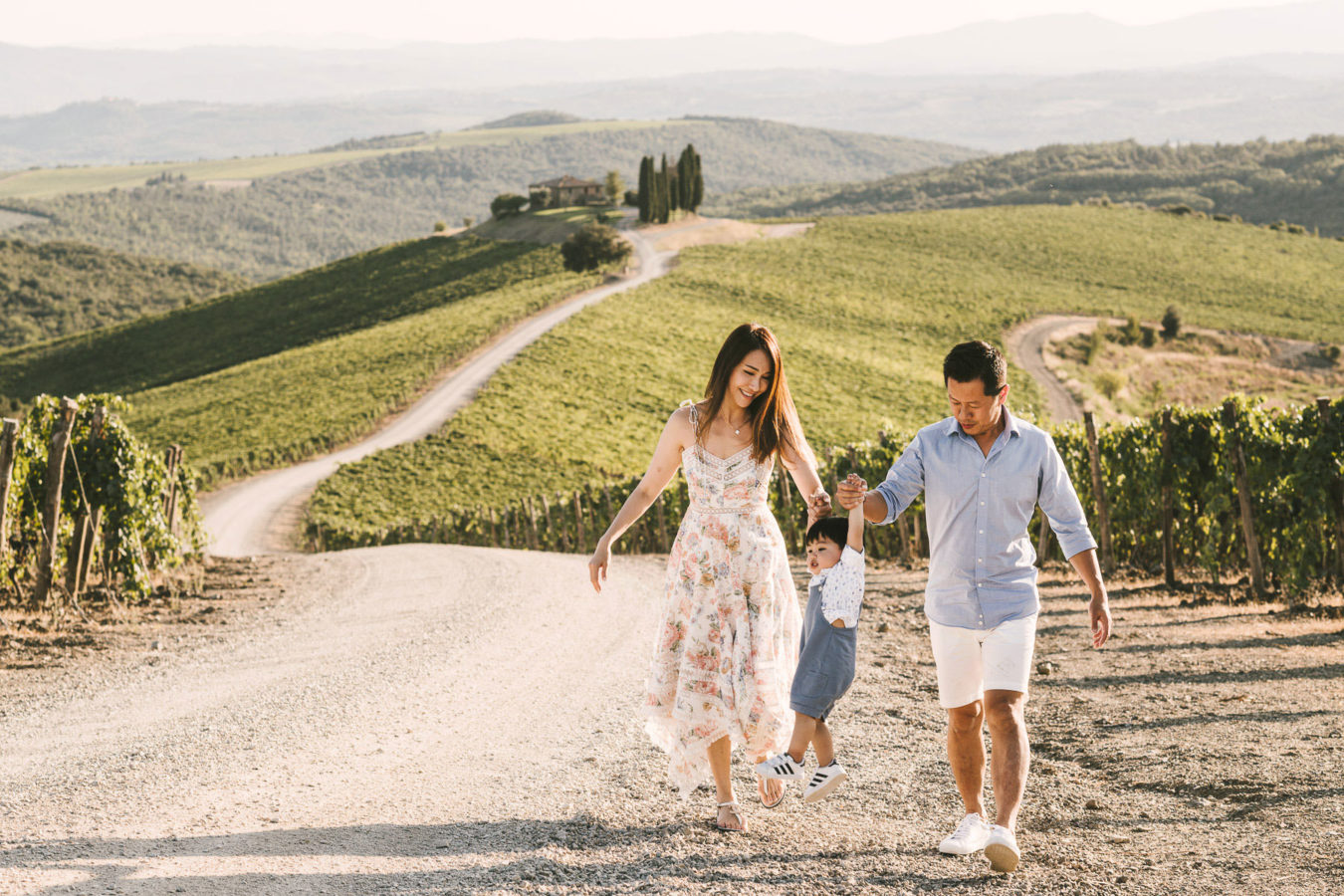Family photo shoot Rosewood Castiglion del Bosco Tuscany countryside