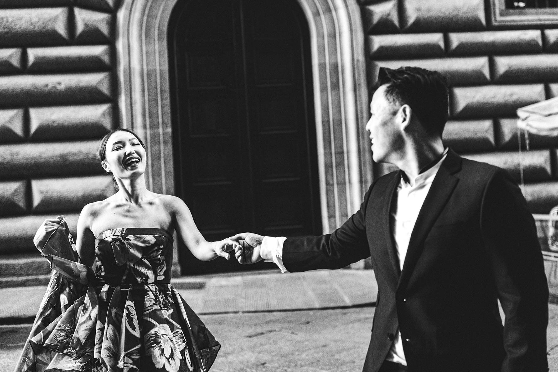 Creative and modern engagement pre-wedding photography in Florence at its most iconic and picturesque spots