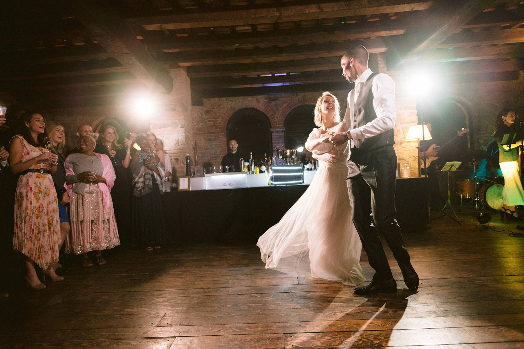 Emotional and exciting bride and groom first dance at Montelucci Country Resort in Tuscany