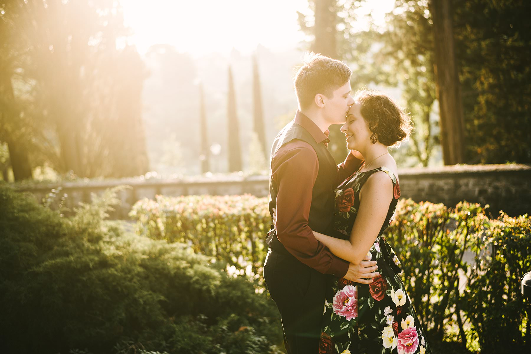 Let your engagement photographer guide you. Engagement photos at sunset are fascinating and unique, especially if they're set in a stunning location like Florence