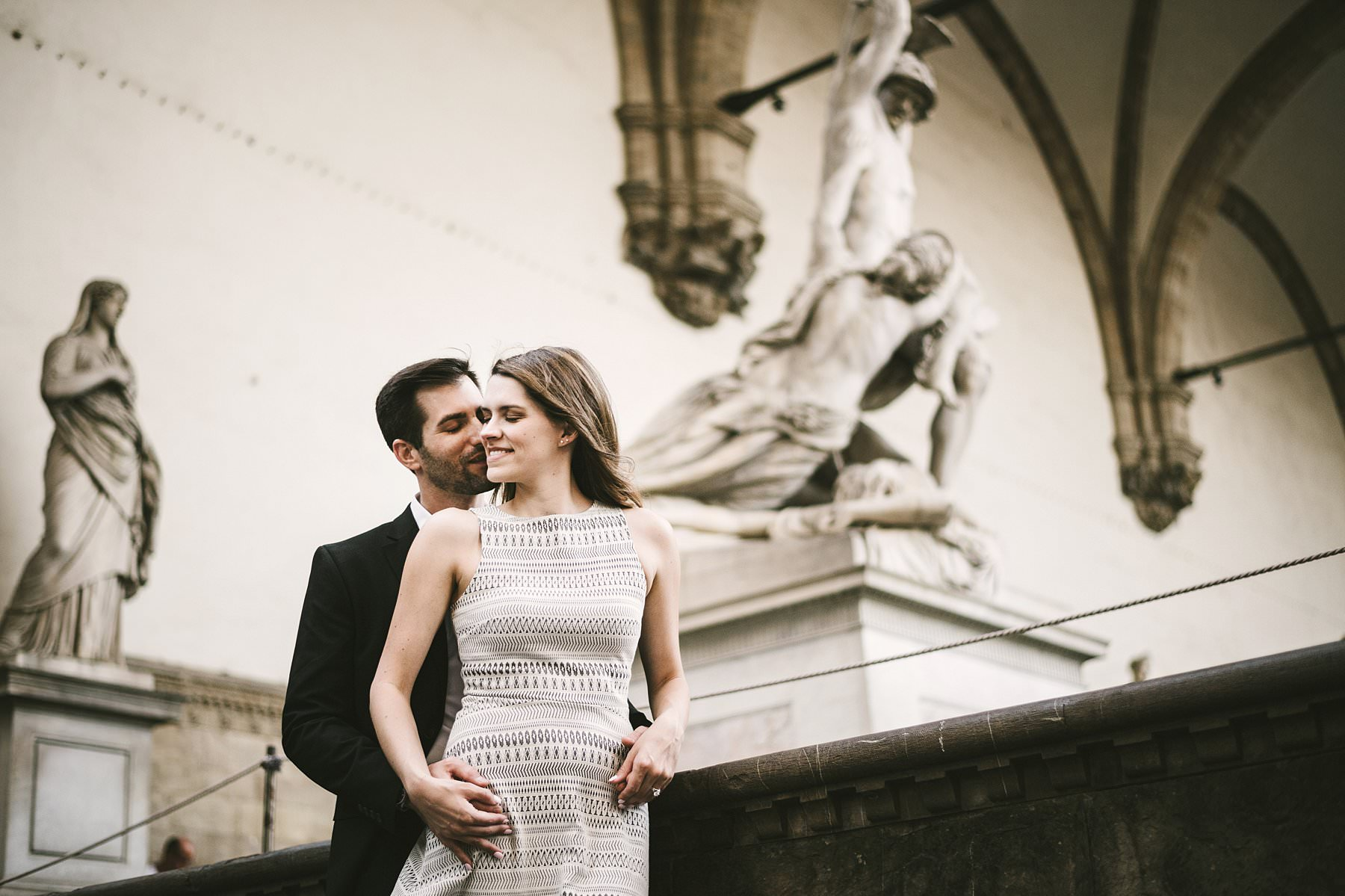 Elegant and romantic engagement photo in the heart of the Cradle of Renaissance city of Florence. If you're looking for a unique way to celebrate your engagement and keep a valuable memory of it, a sunset photoshoot in Florence is what you need
