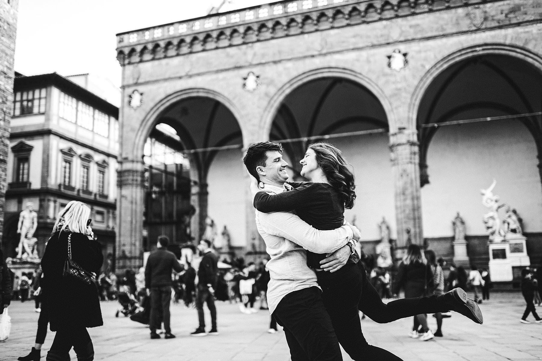 Unforgettable and spontaneous creative engagement photo shoot in the heart of Florence at Palazzo Vecchio very near Uffizi Art Gallery and Ponte Vecchio