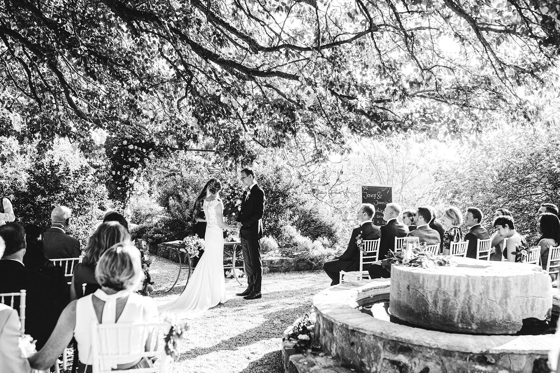 An unforgettable international wedding. Lovely intimate destination wedding ceremony at Villa Monte Solare, Umbria