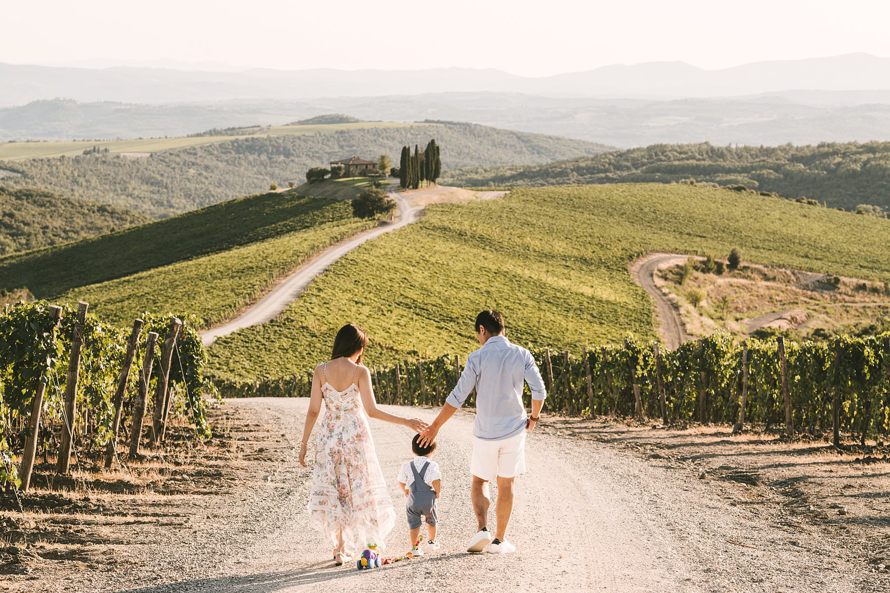 Sweet family holiday photoshoot in the wonderful Tuscan countryside. We always say that vacations make the best memories of our lives, and that's undoubtedly true. But memories tend to fade with time, and if we are traveling with our little ones they might not even remember those special moments