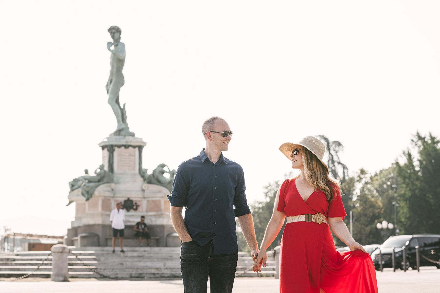 Anisa and Kevin's delightful anniversary photos. Intimate and beautiful couple photo shoot in Florence at sunrise