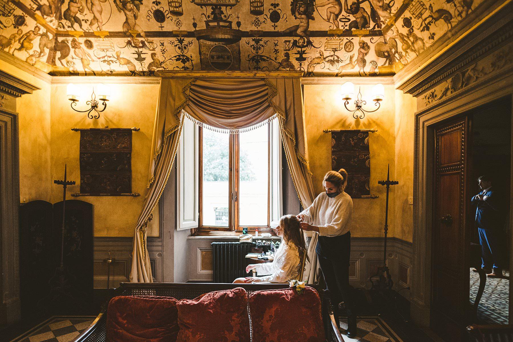 Bride-groom-elopement-intimate-getting-ready-Palazzo-Coli-Bizzarrini-Siena