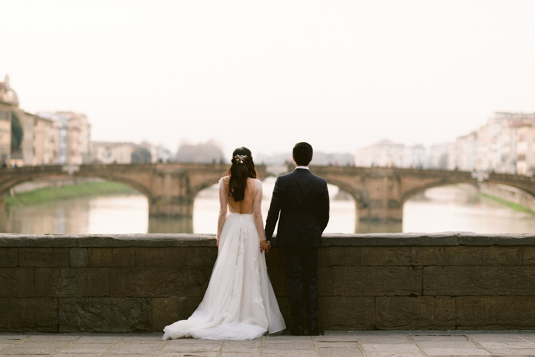 Romantic couple photos for a special honeymoon in Florence