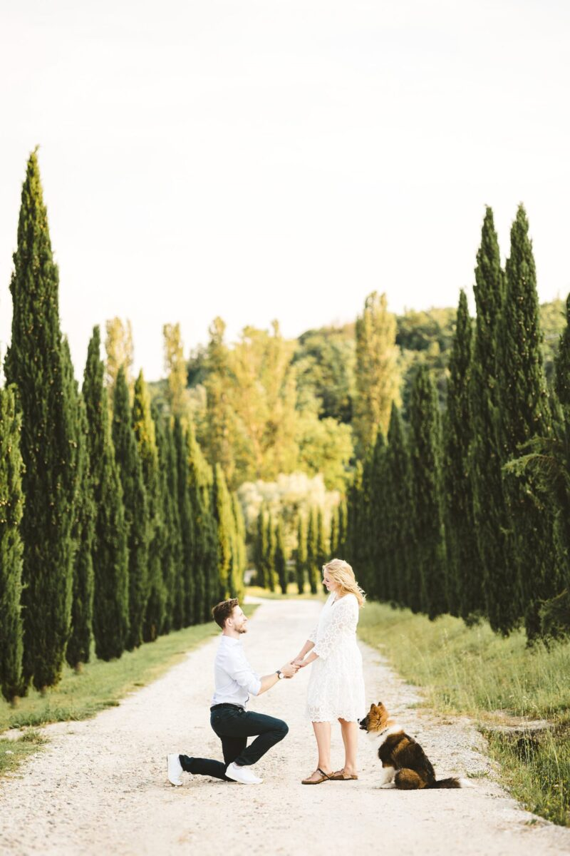 Proposal photoshoot in Tuscany with a pet, with a double surprise! This is the story of a man who wanted to surprise his fiancée, and ended up being surprised himself!