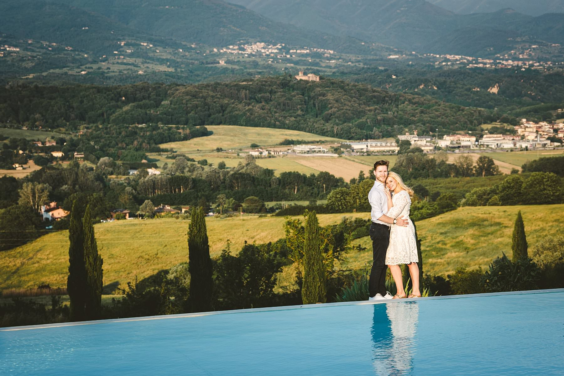 Incredible Tuscan countryside panoramic view at Poggio Tre Lune, the perfect location for surprise proposal engagement photo shoot