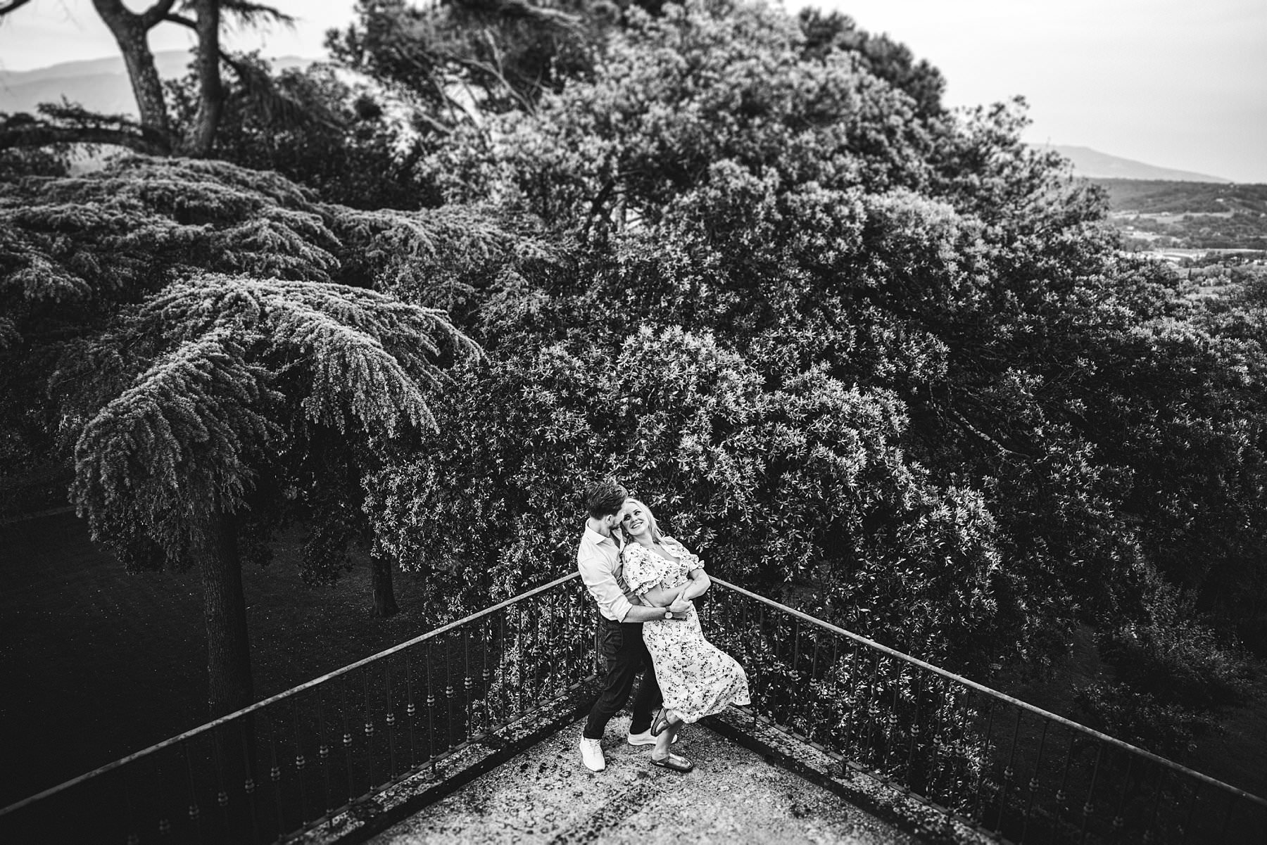 Creative couple portrait shoot at Poggio Tre Lune in the heart of Tuscany near Florence. Surprise proposal photo session